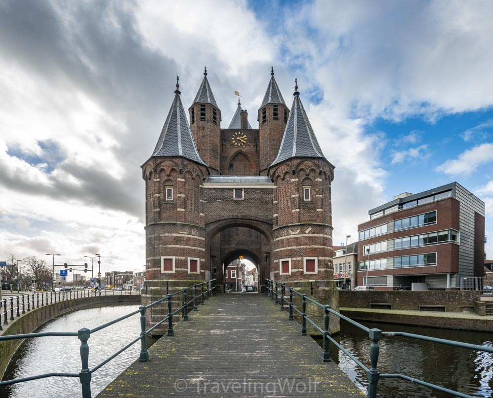 Amsterdamse Port, old city gate