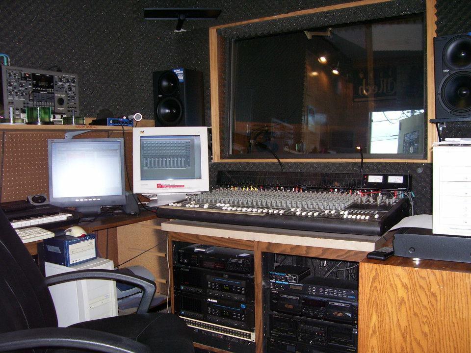 RecordingDesk.jpg