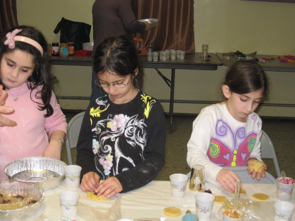 Purim 2014 - Baking Hamantaschen and Groggers Making