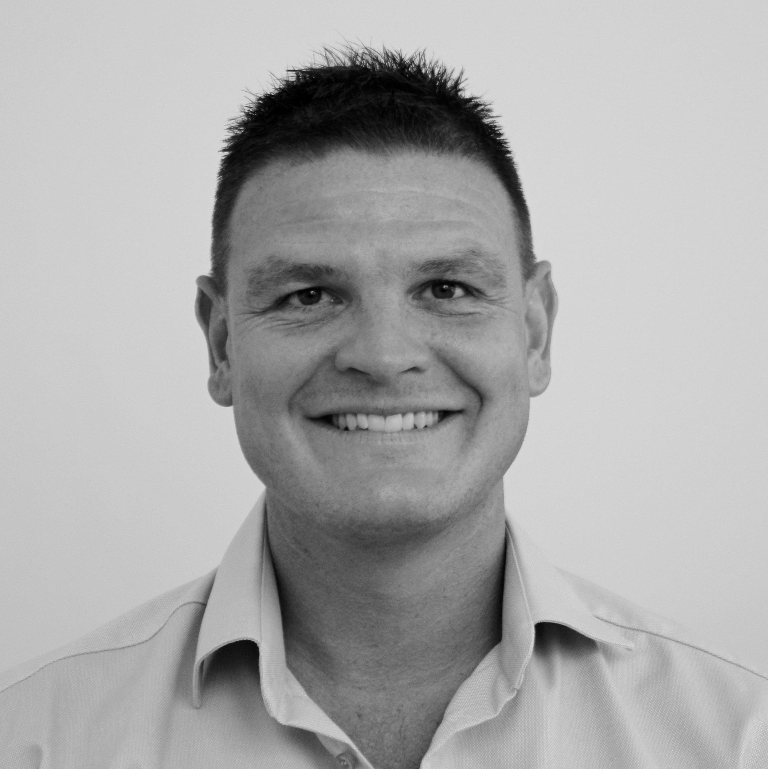 Anders Byrlø Jensen (AJ)   Souschef   Tlf. 20256469   aj@bindernaes.dk