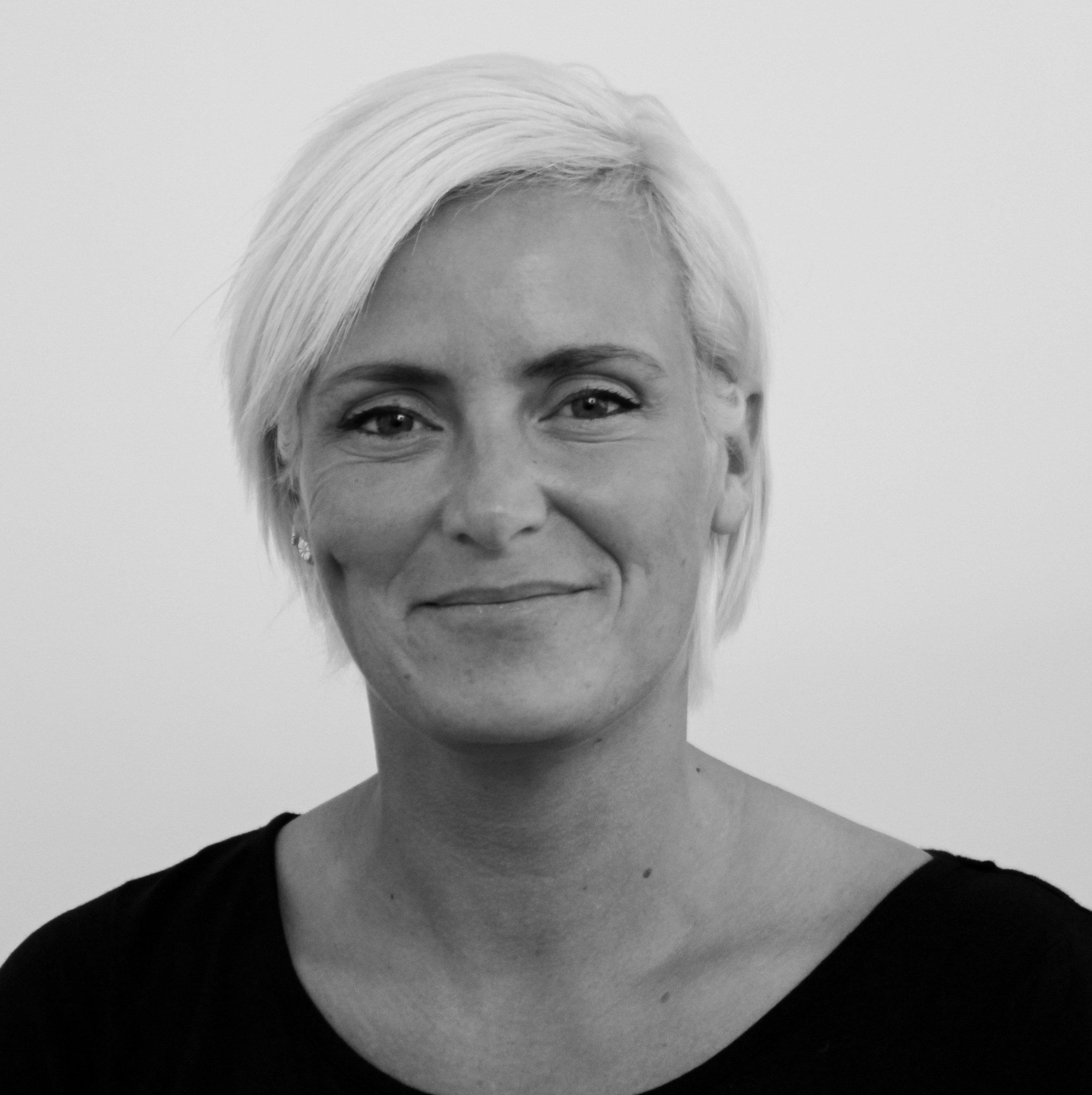 Christina Fogtmann (CF)   Lærer,   Tlf: 54 60 40 40   cf@bindernaes.dk