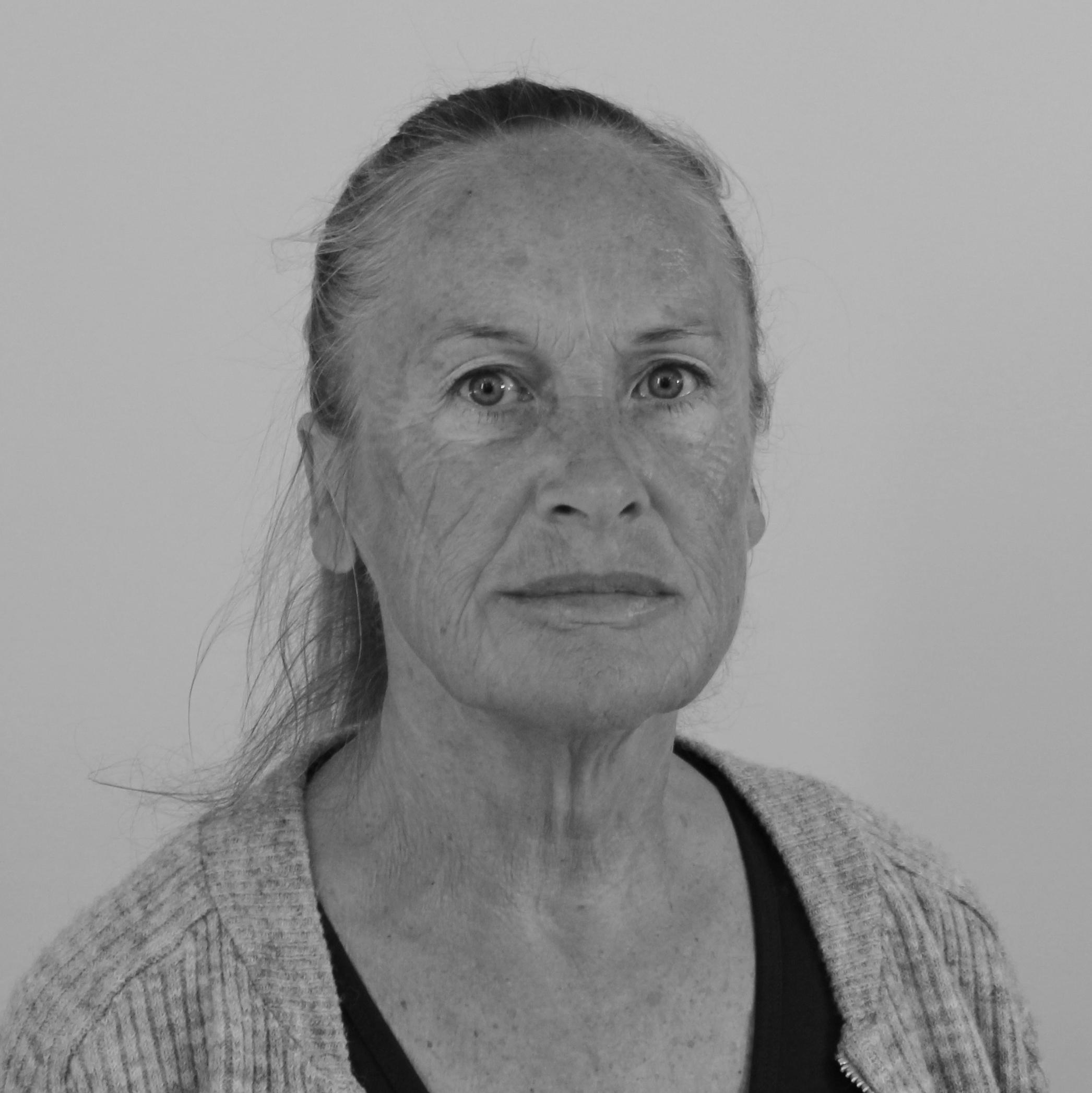 Jette Waaben (JW)   Lærer,   Tlf.54 60 40 40   jw@bindernaes.dk