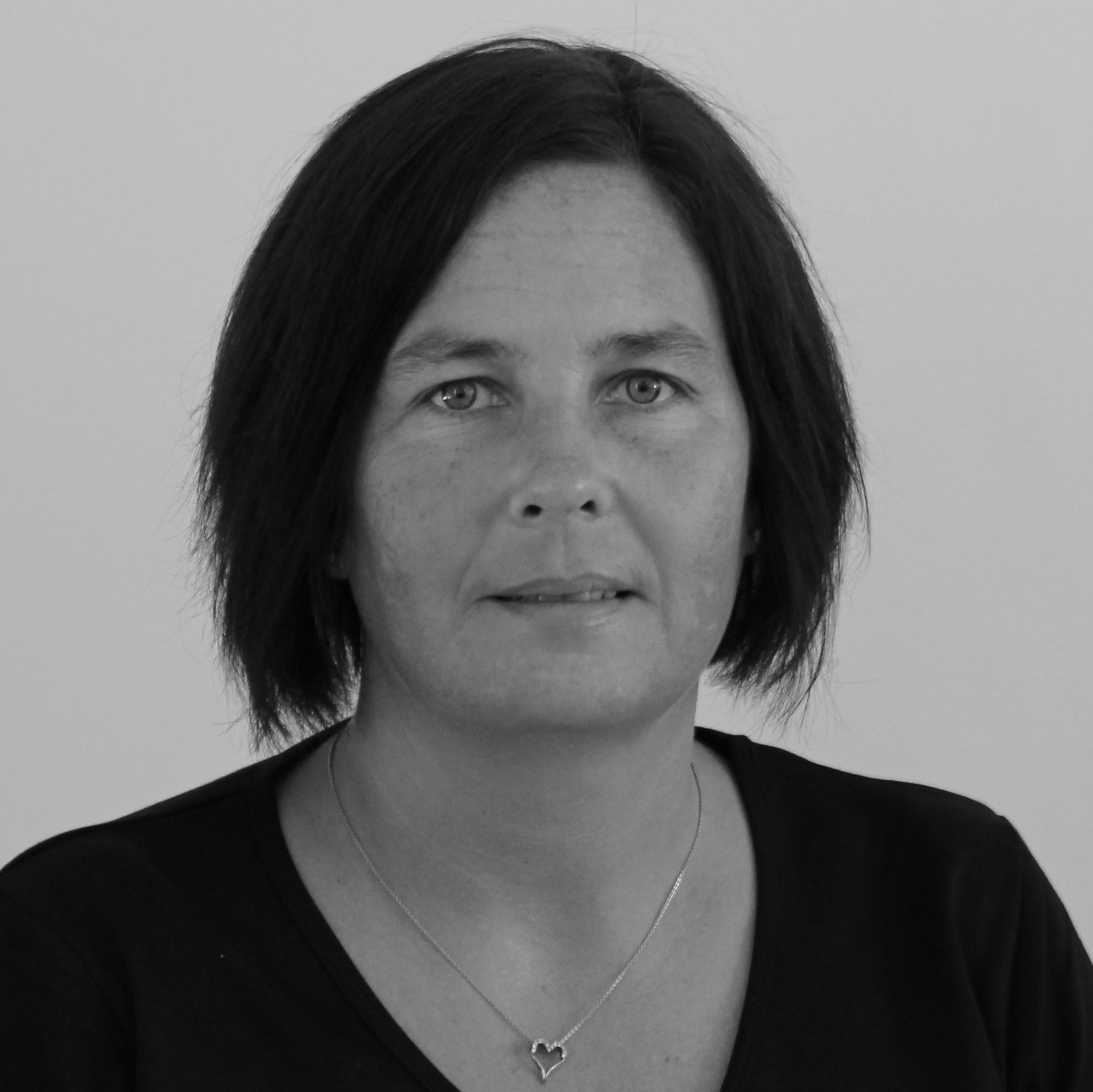 Malene Jacobsen (MJ)   Lærer   Tlf. 54 60 40 40   mj@bindernaes.dk
