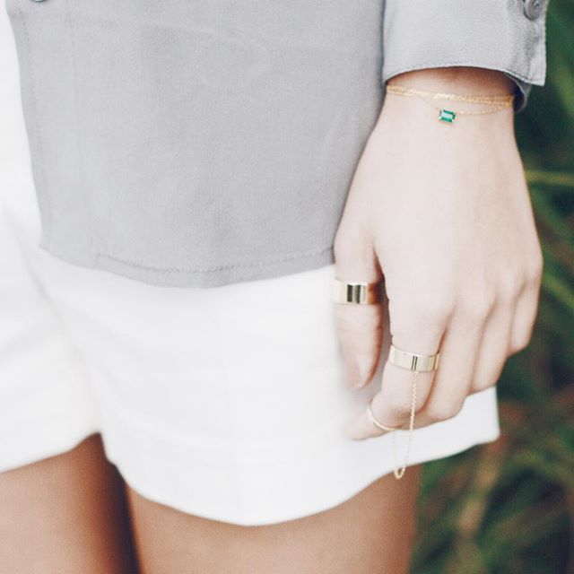 Our Mint Necklace worn as a bracelet 🙌🏻 plus Essential Linked Rings #emerald #solidgold