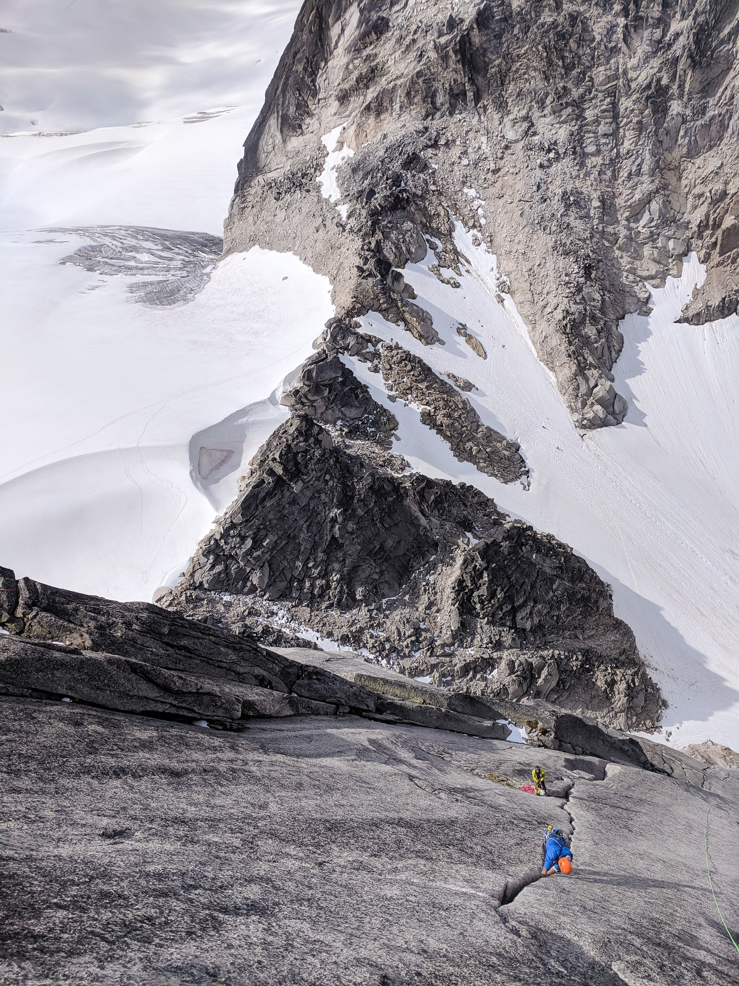 The Chileans on the last pitch of Sunshine Crack (photo Mike)