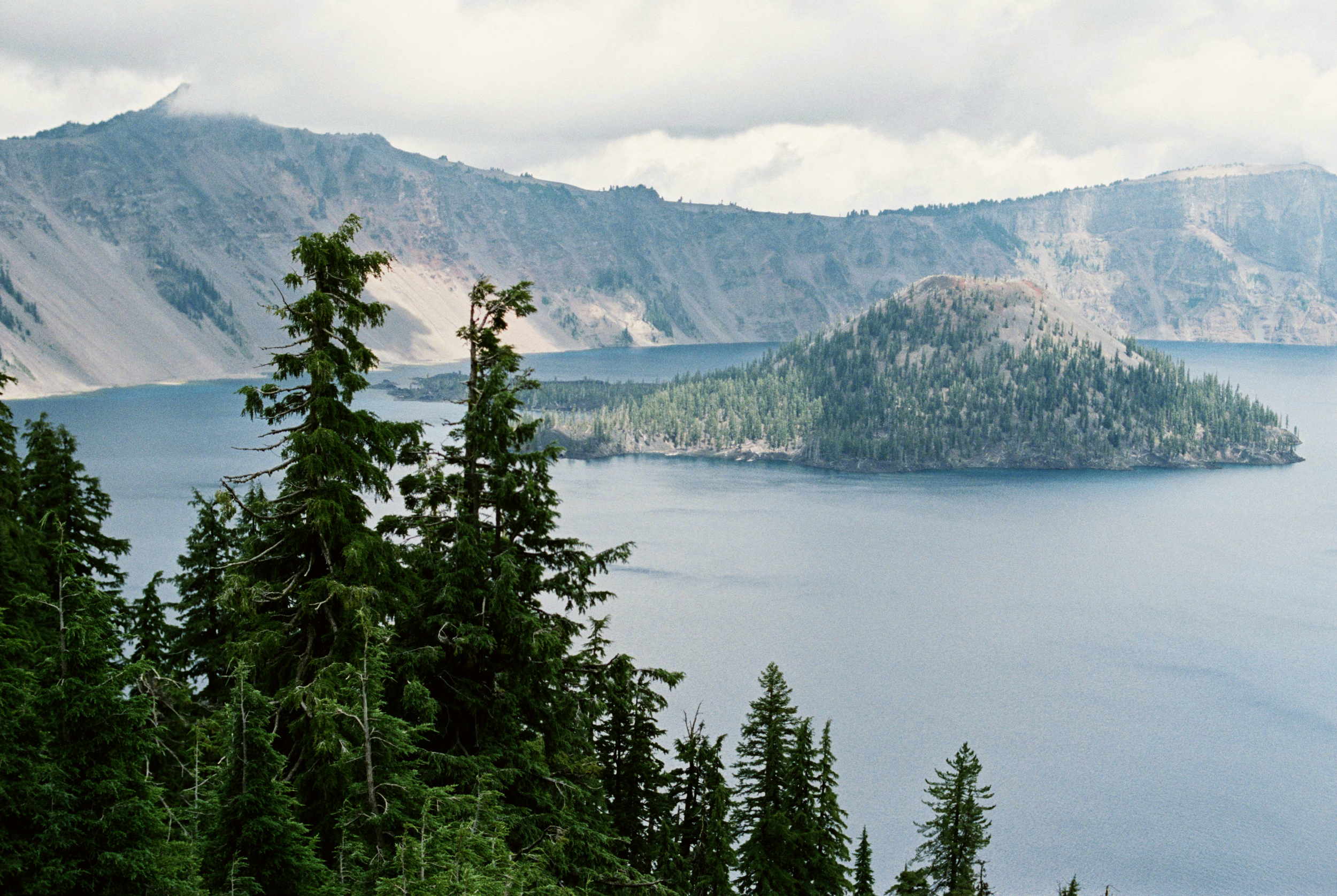 Crater Lake - Oregon Elopement Photographer - Oregon Travel - Amanda Lenhardt Photography