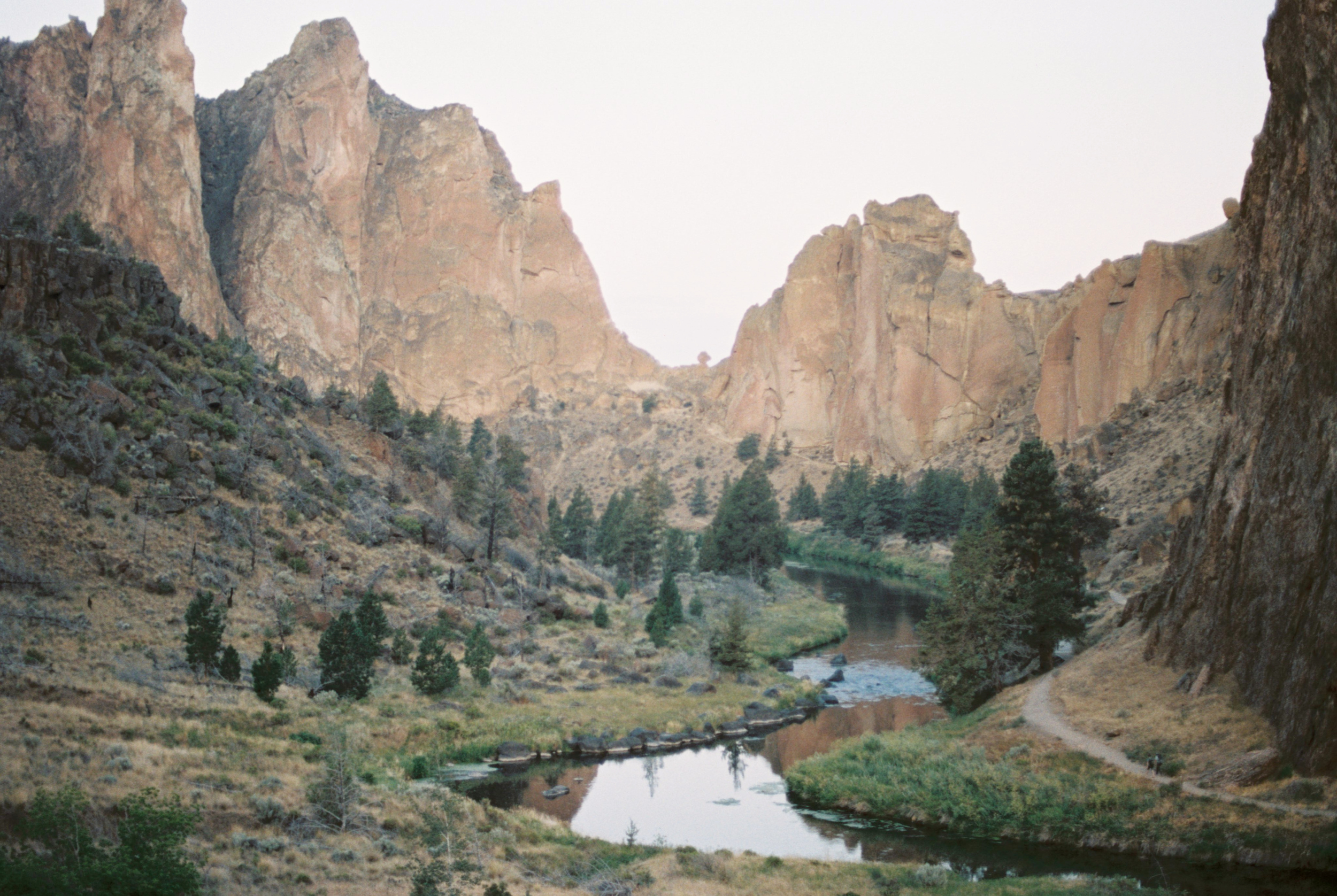Smith Rock - Oregon Elopement Photographer - Oregon Travel - Amanda Lenhardt Photography