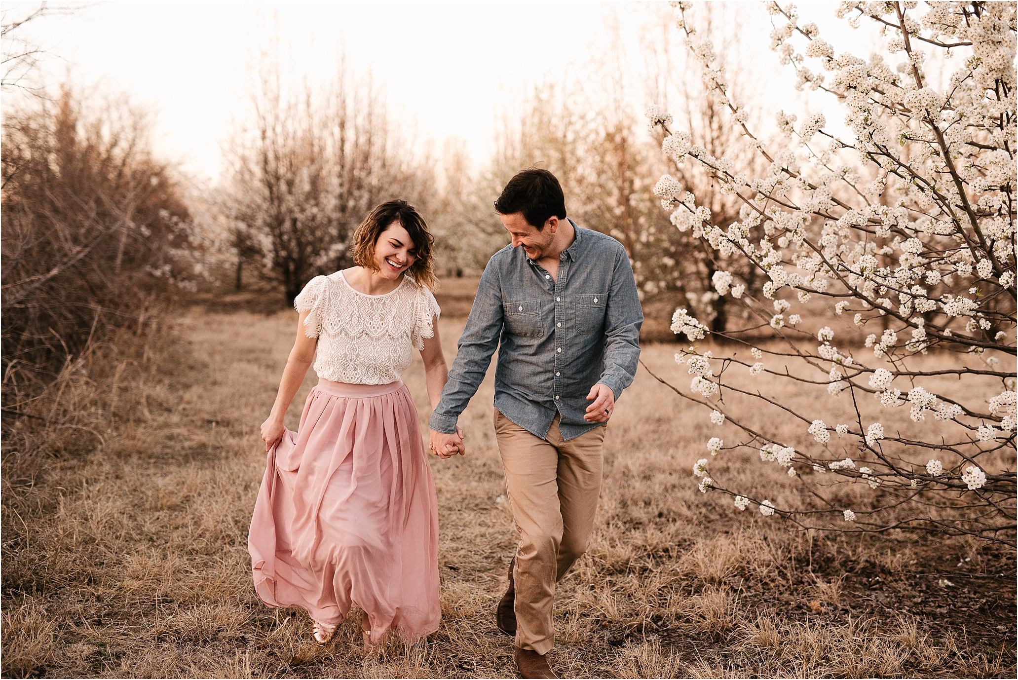 engagement photos session oklahoma wedding photographer outdoors spring edmond okc anniversary what to wear natural white flowers