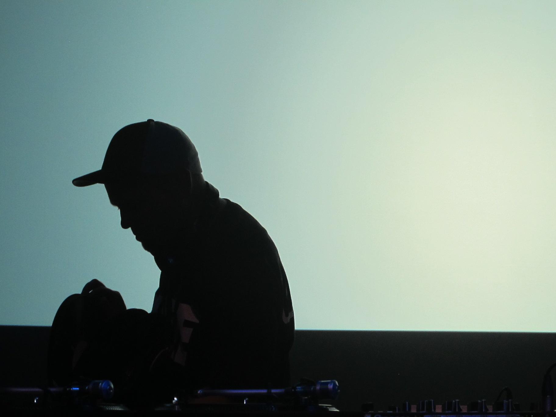 magic (dj shadow)