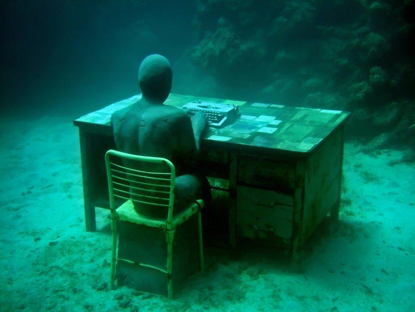 18-overview-lost-correspondent-grenada-jason-decaires-taylor-sculpture.jpg