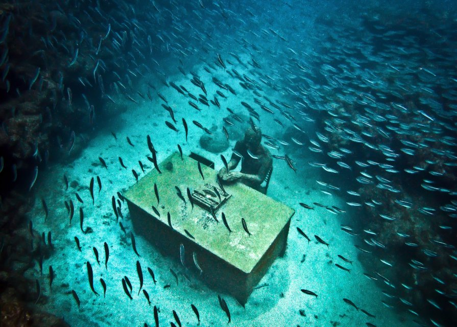 44-overview-lost-correspondent-grenada-jason-decaires-taylor-sculpture.jpg