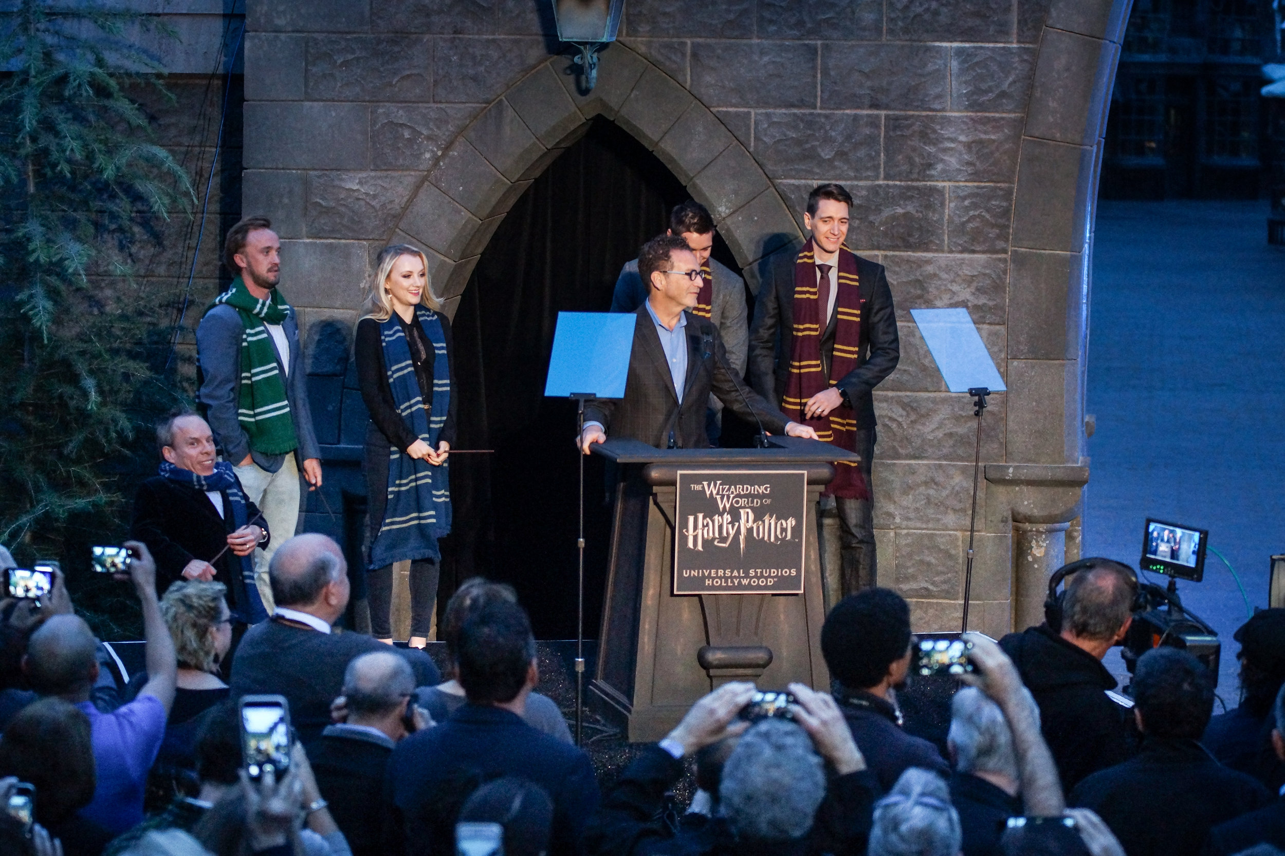 HarryPotterOpening-00998.jpg