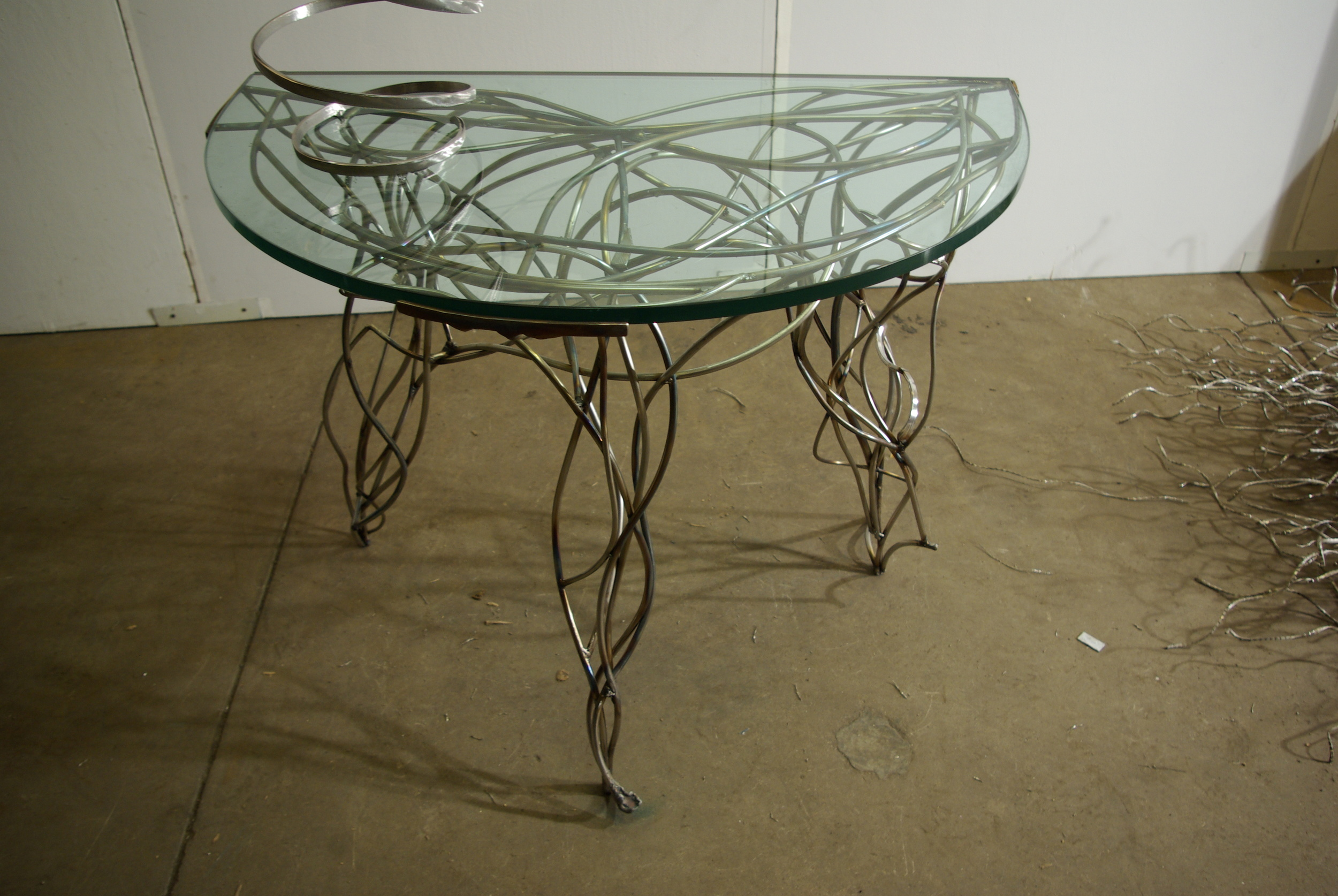 Vine Table 01.JPG