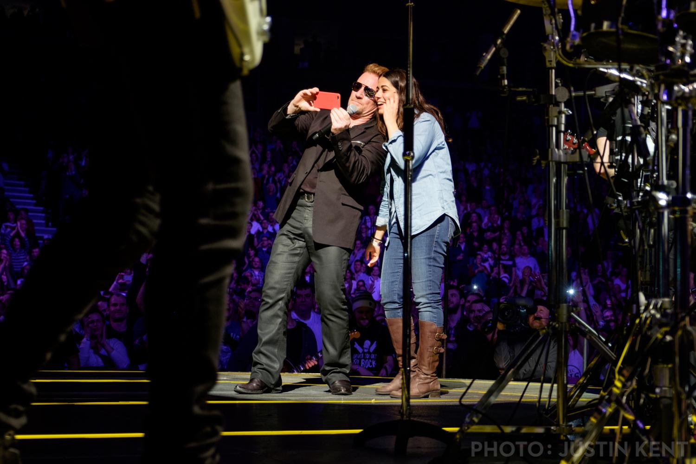 Bono, king of selfies