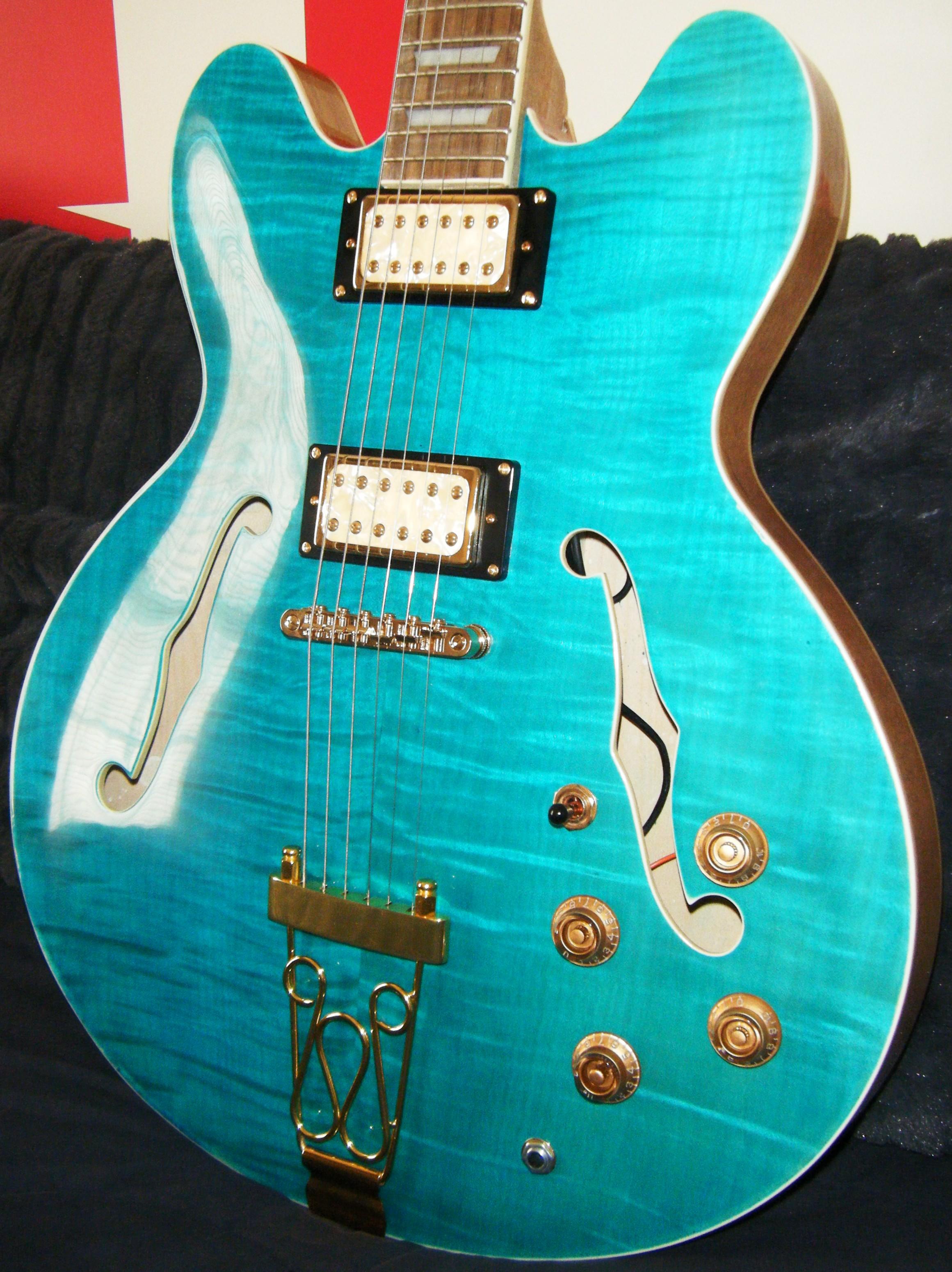 Hawkins Electric Guitar Gold