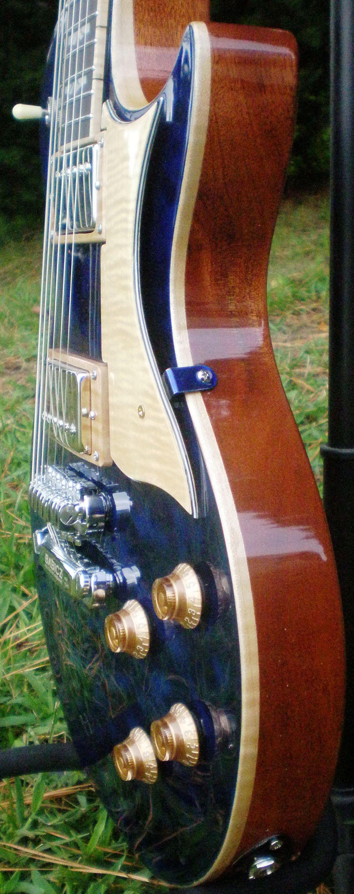 Hawkins Les Paul Style Guitar Side