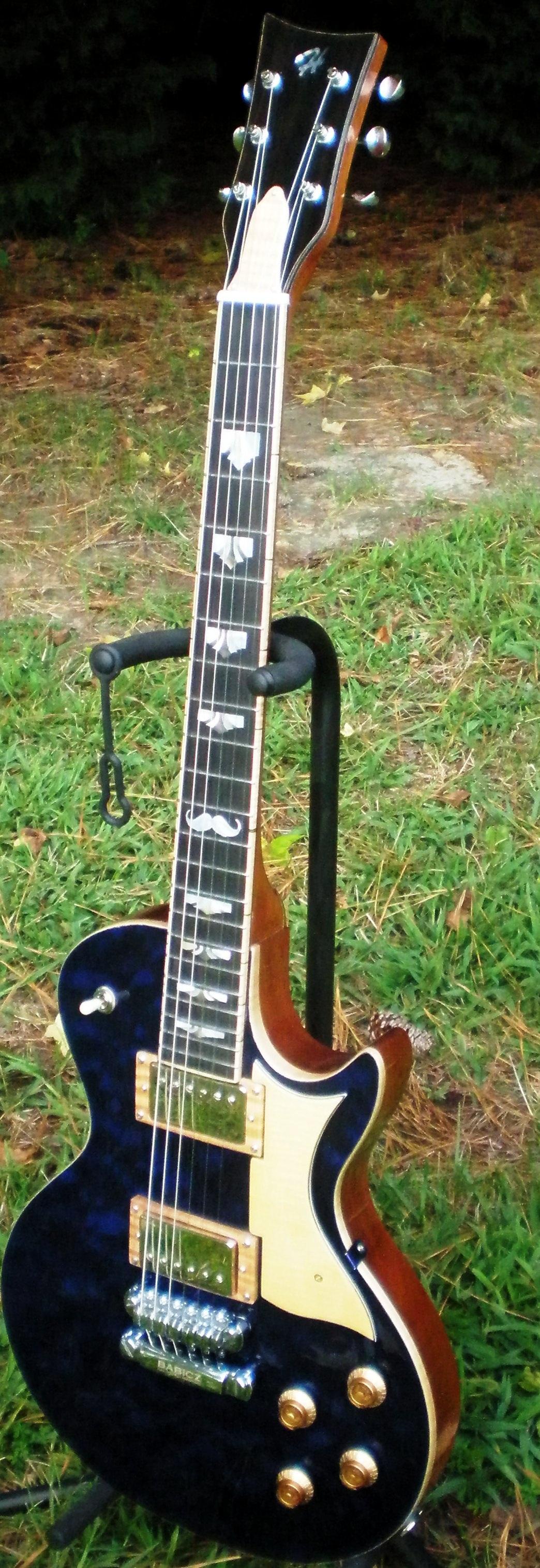 Hawkins Electric Guitar Les' Paulina