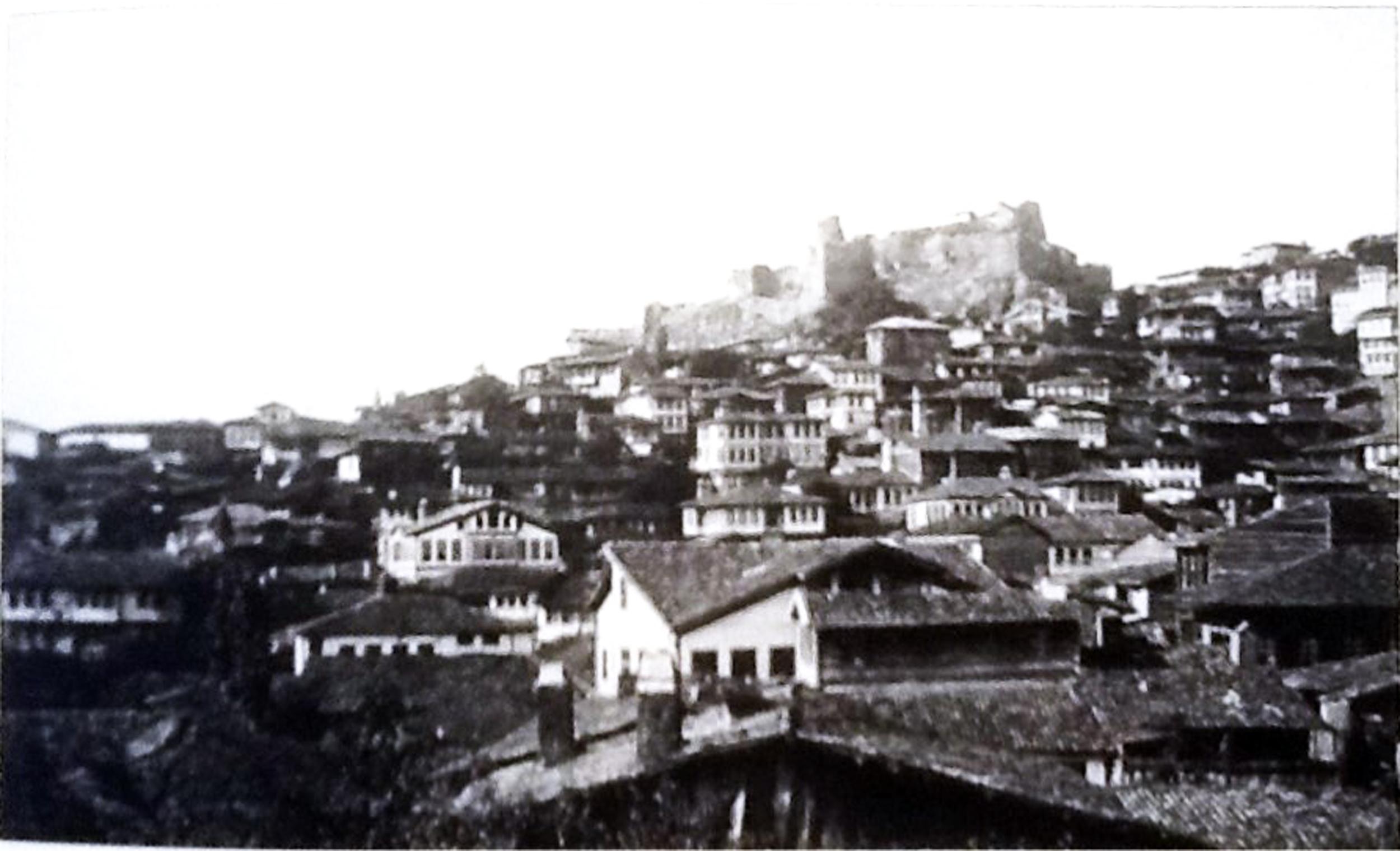 Ankara- Samanpazarı   Kaynak: Raymond N. Kevorkian & Paul B. Pa  boudjian, 2013.  1915 Öncesinde Osmanlı İmparatorluğu'nda Ermeniler, İstanbul: Aras Yayıncılık.