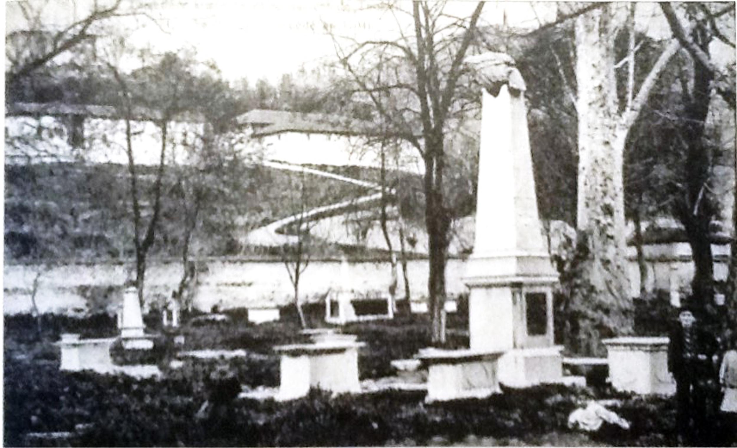 Adapazarı İzmit Ermeni Mezarlığı.jpg