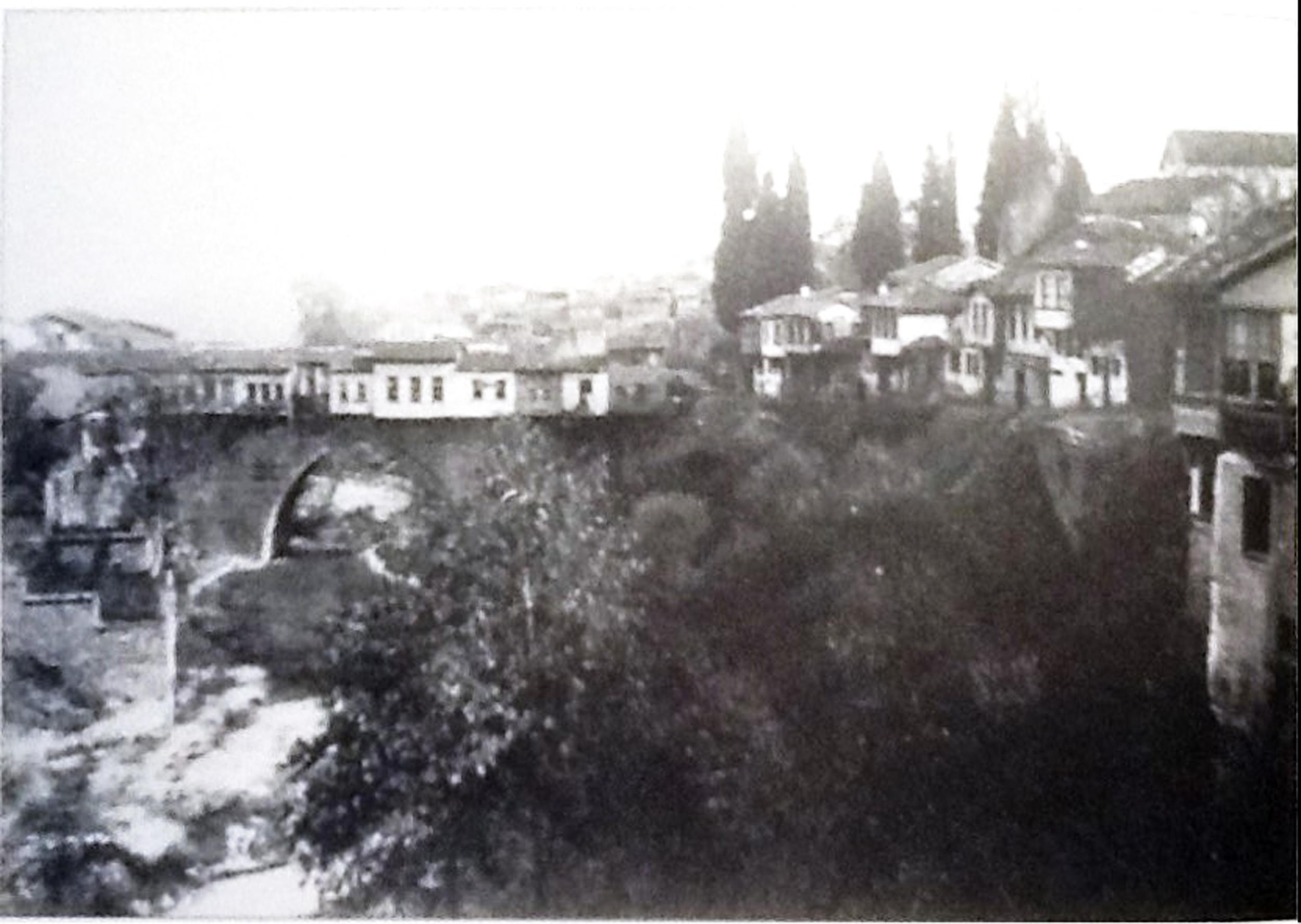 Bursa SetbaşıKöprü ve Hıristiyan Mahallesi.jpg