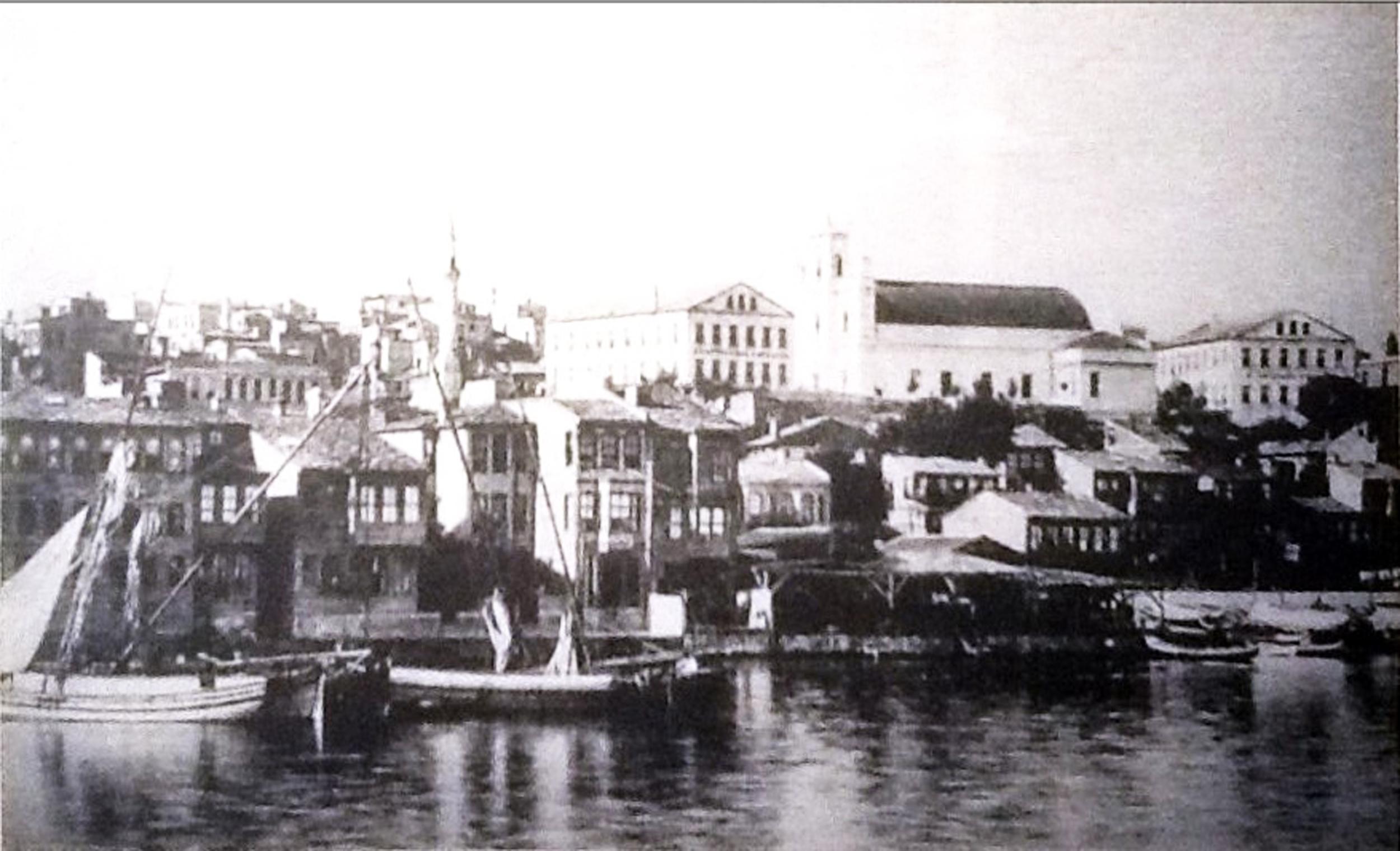 İstanbul SamatyaSurp Kevork  Ermeni kilisesi ve Sahagyan Nunyan Okulları.jpg