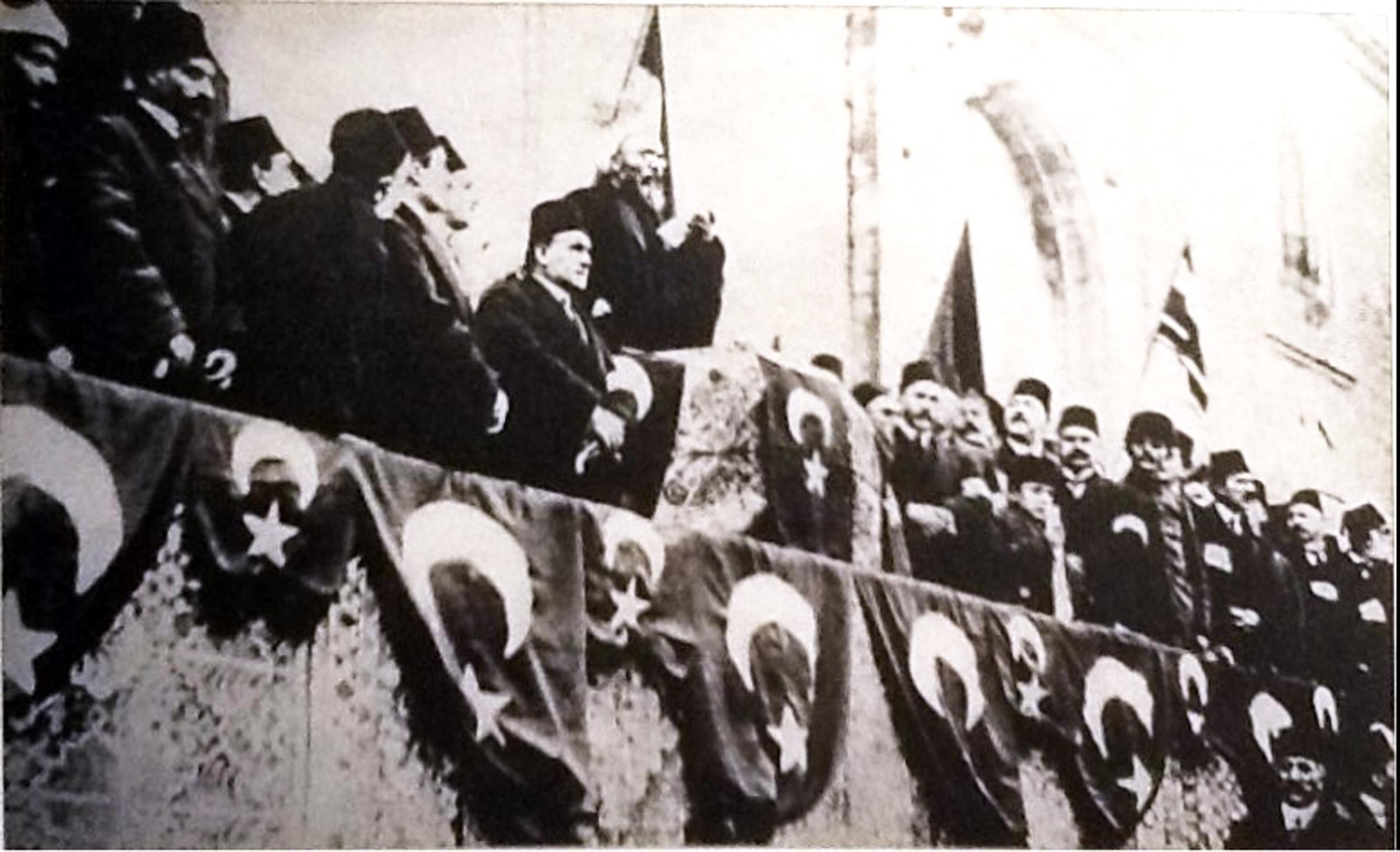 İttihat terakkinin katılımıyla şeyhülislamın cihad çağrısı 1914.jpg