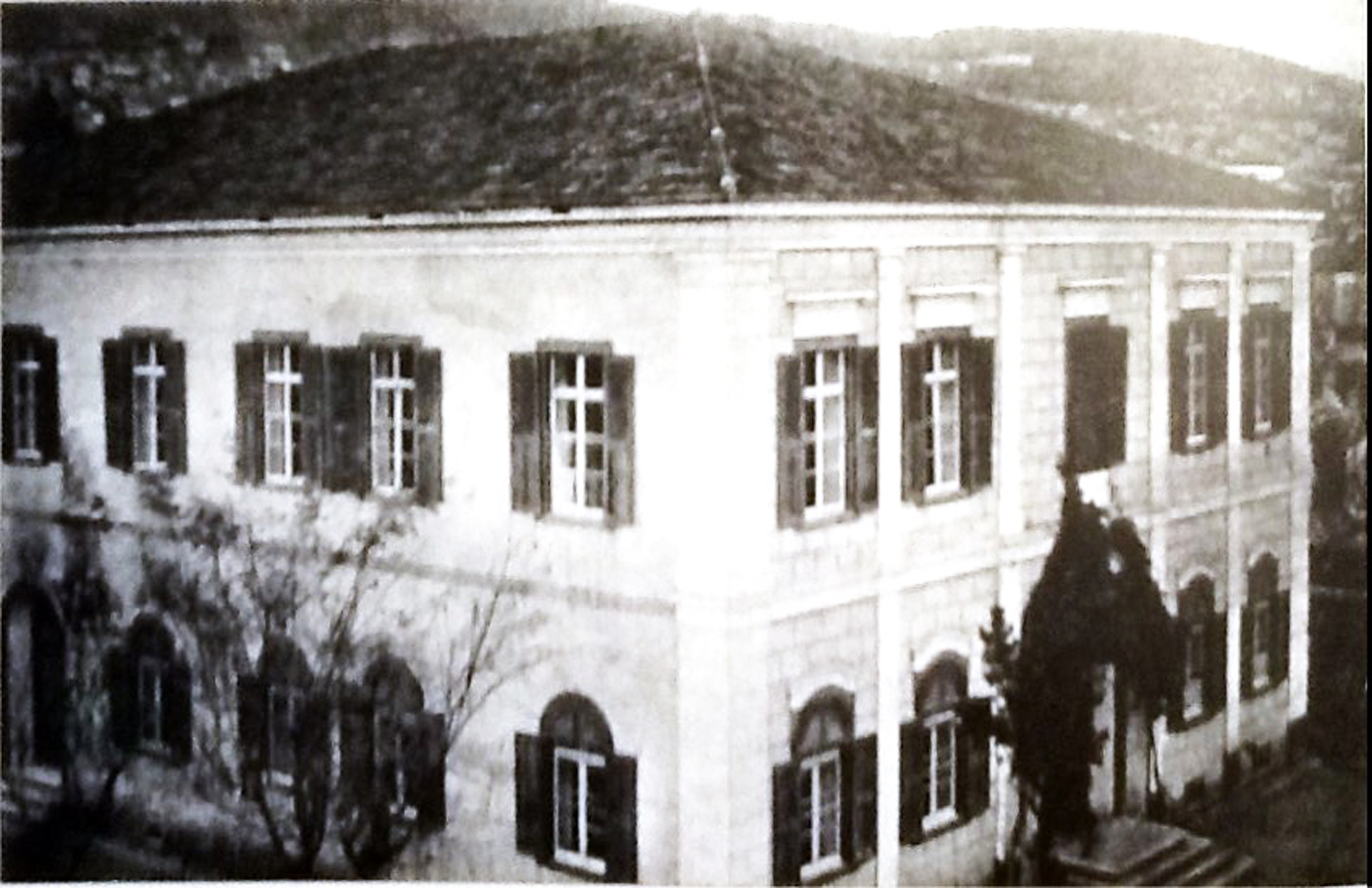 İzmir Surp Hrisime Kız koleji.jpg