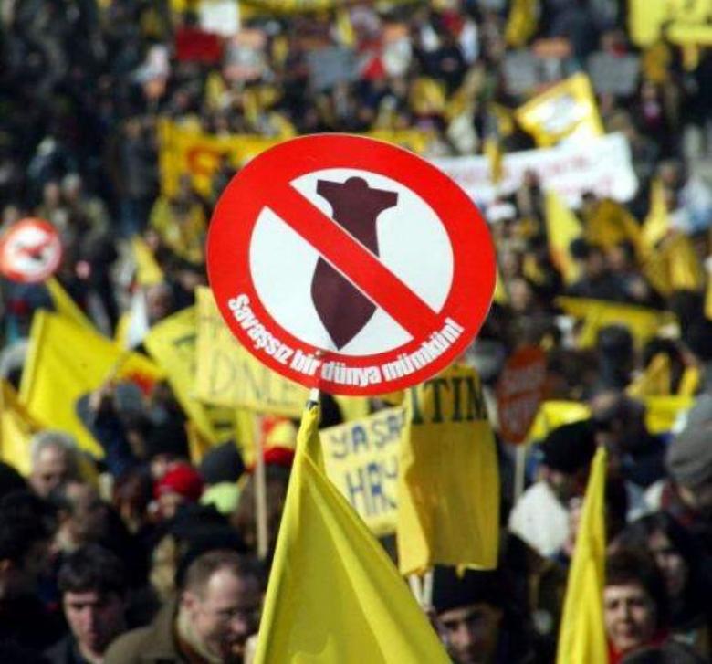 1Mart 2003 Ankara kaynak INDYMEDIA.jpg