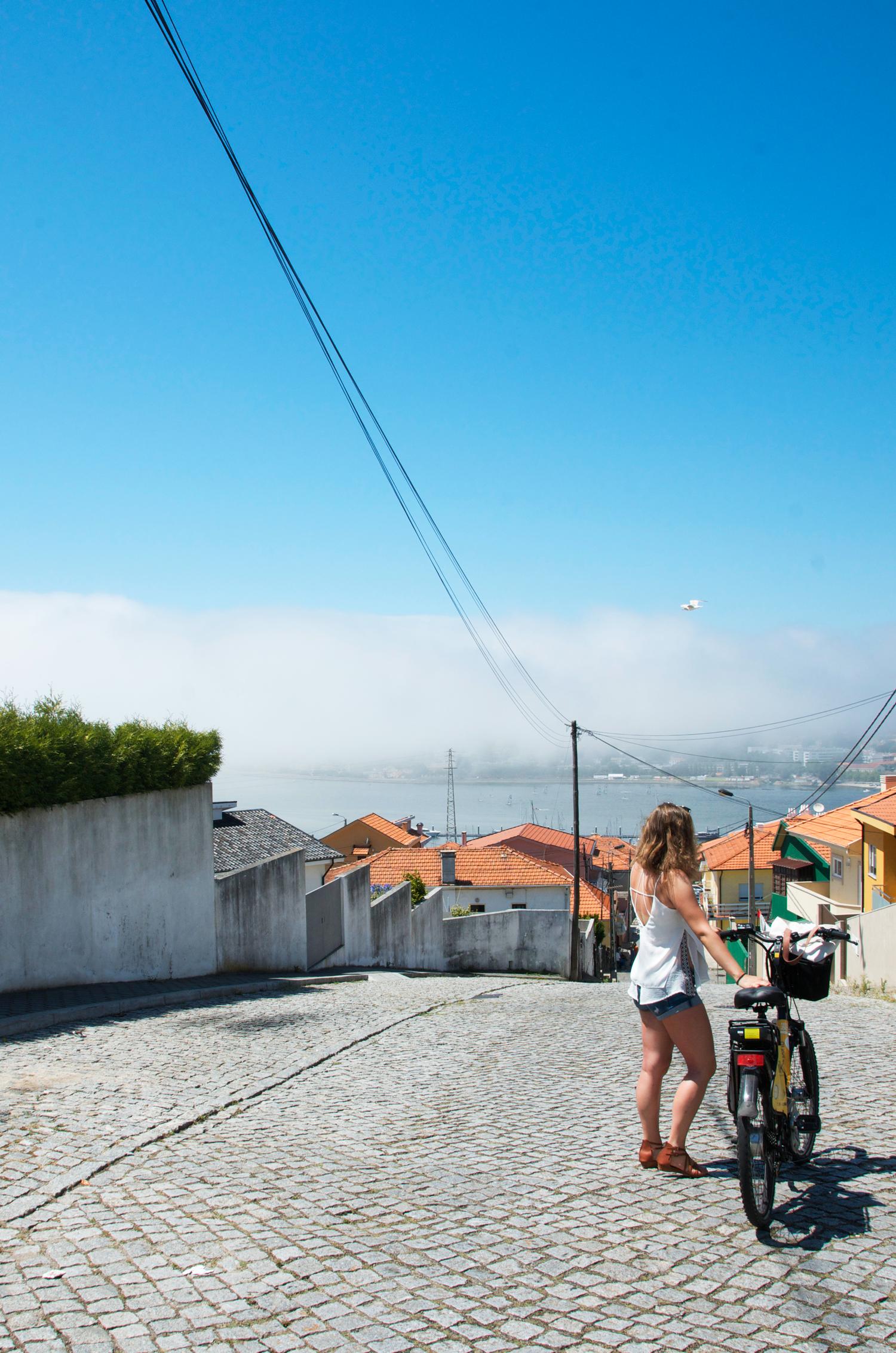 explore-porto-portugal-bike-jessica-janusz.png