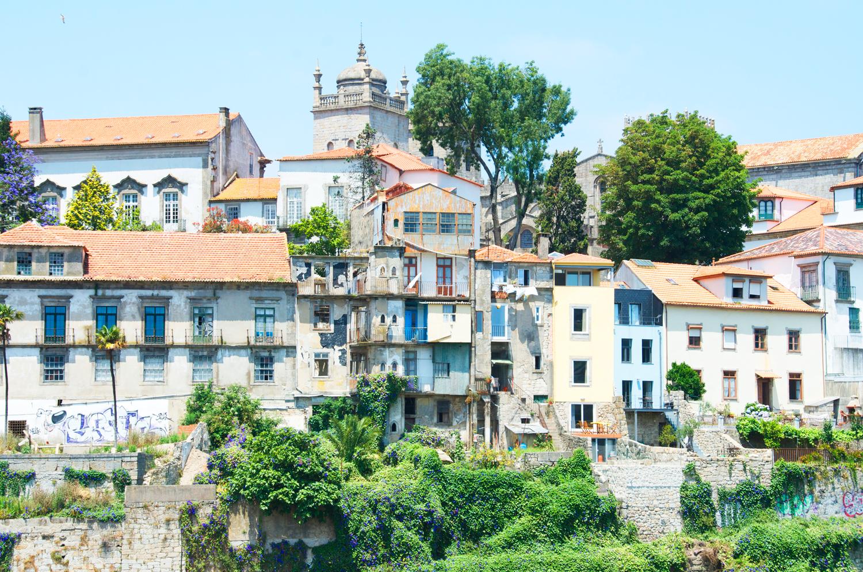 beautiful-buildings-porto-portugal.png