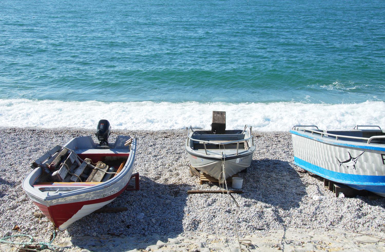 boats-detretat-normandy-france.png