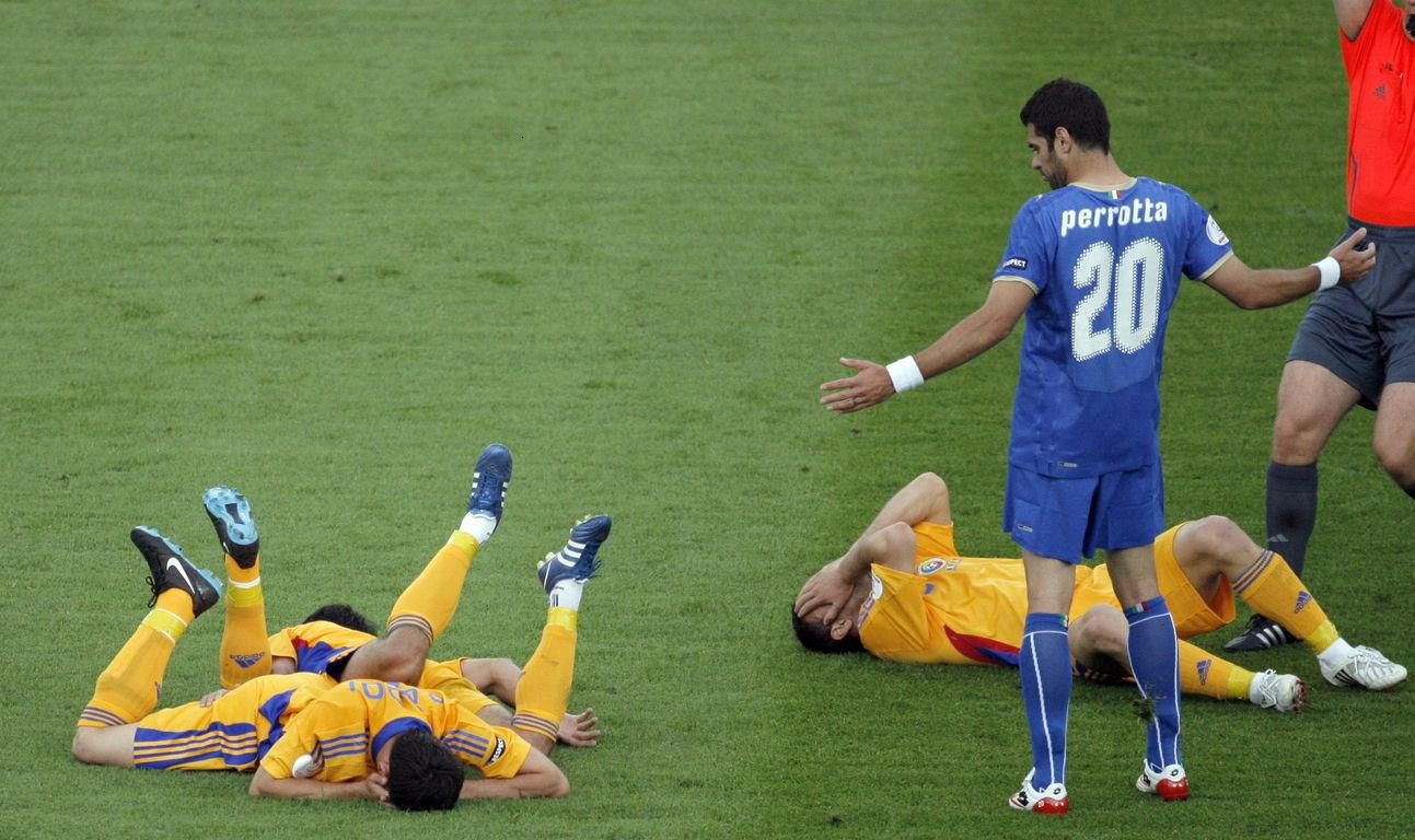 Football vs Soccer - Faking injury.jpg