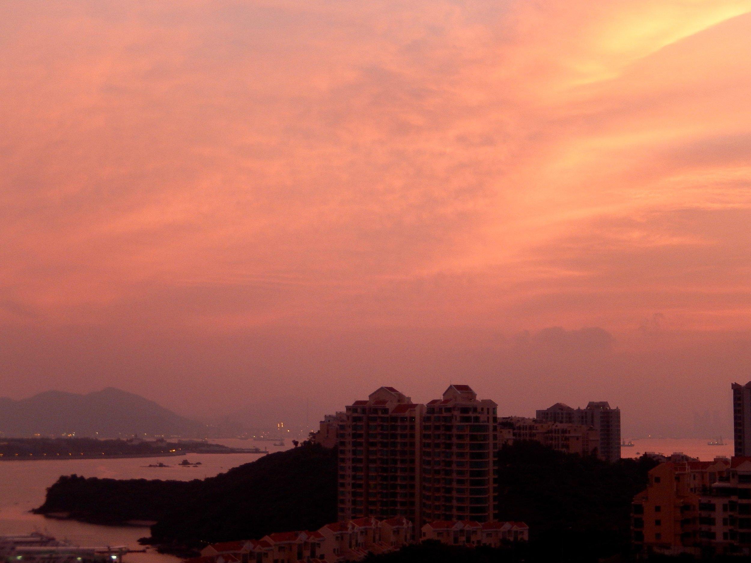 Hong Kong-Sunrise-Discovery Bay.jpg