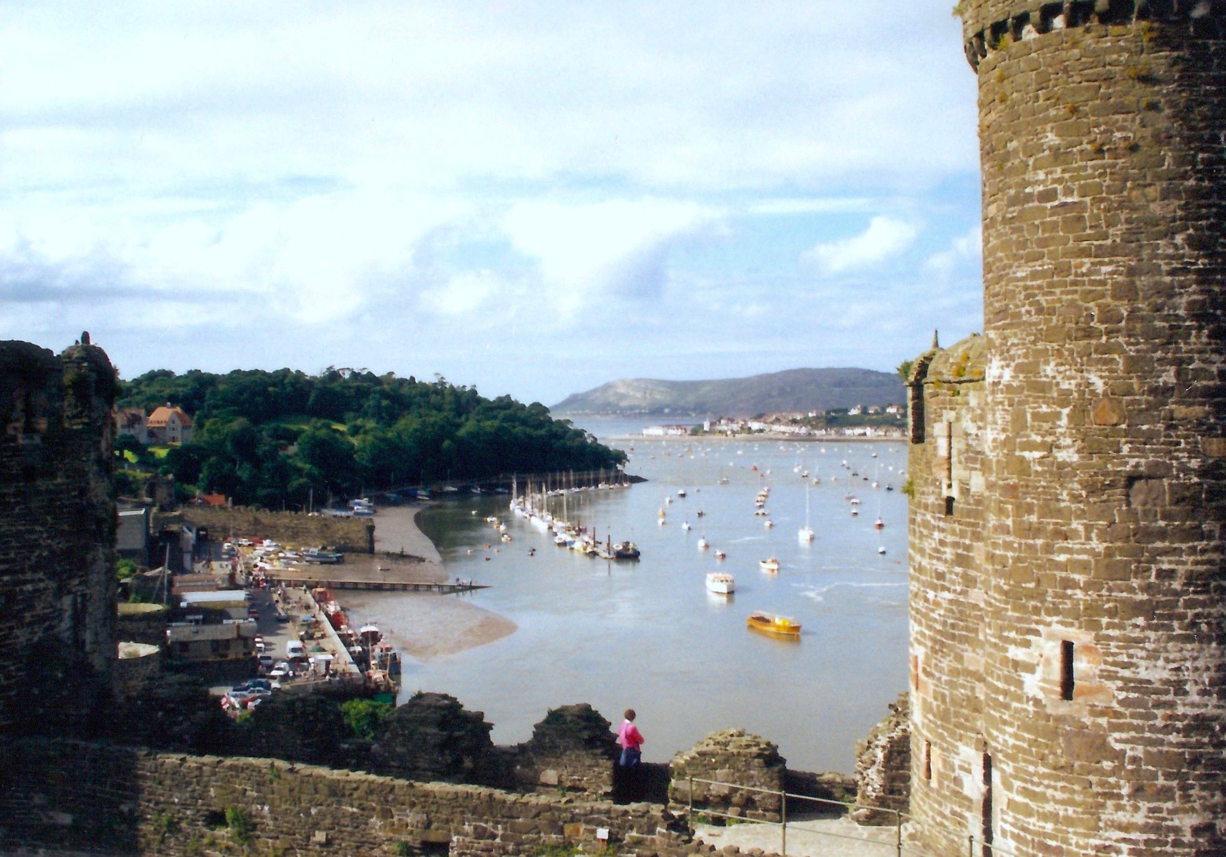 Conwy Castle harbor.jpg