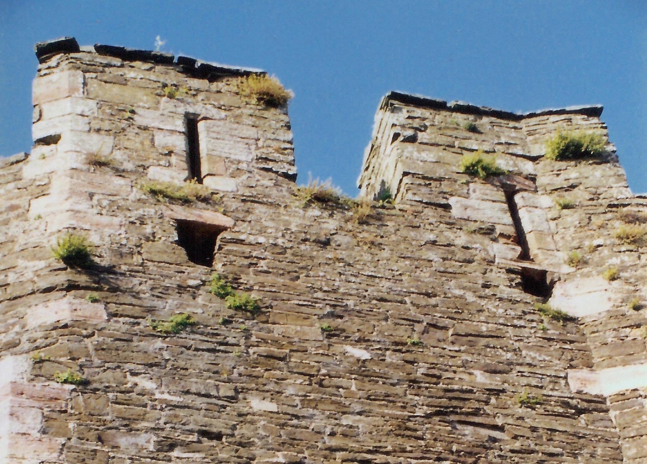 Conwy Castle wall.jpg