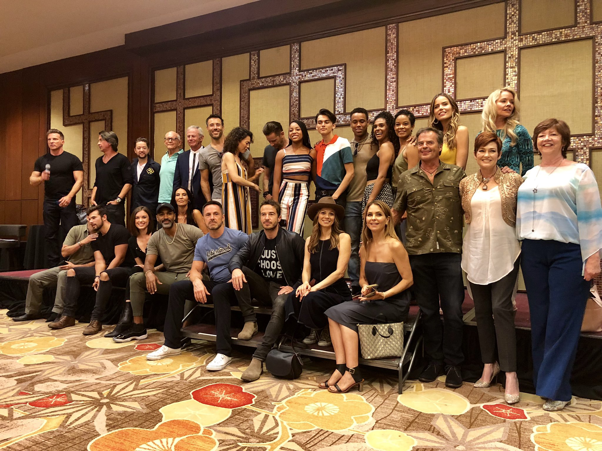 General Hospital cast photo at the GH Fan Club Weekend 2019