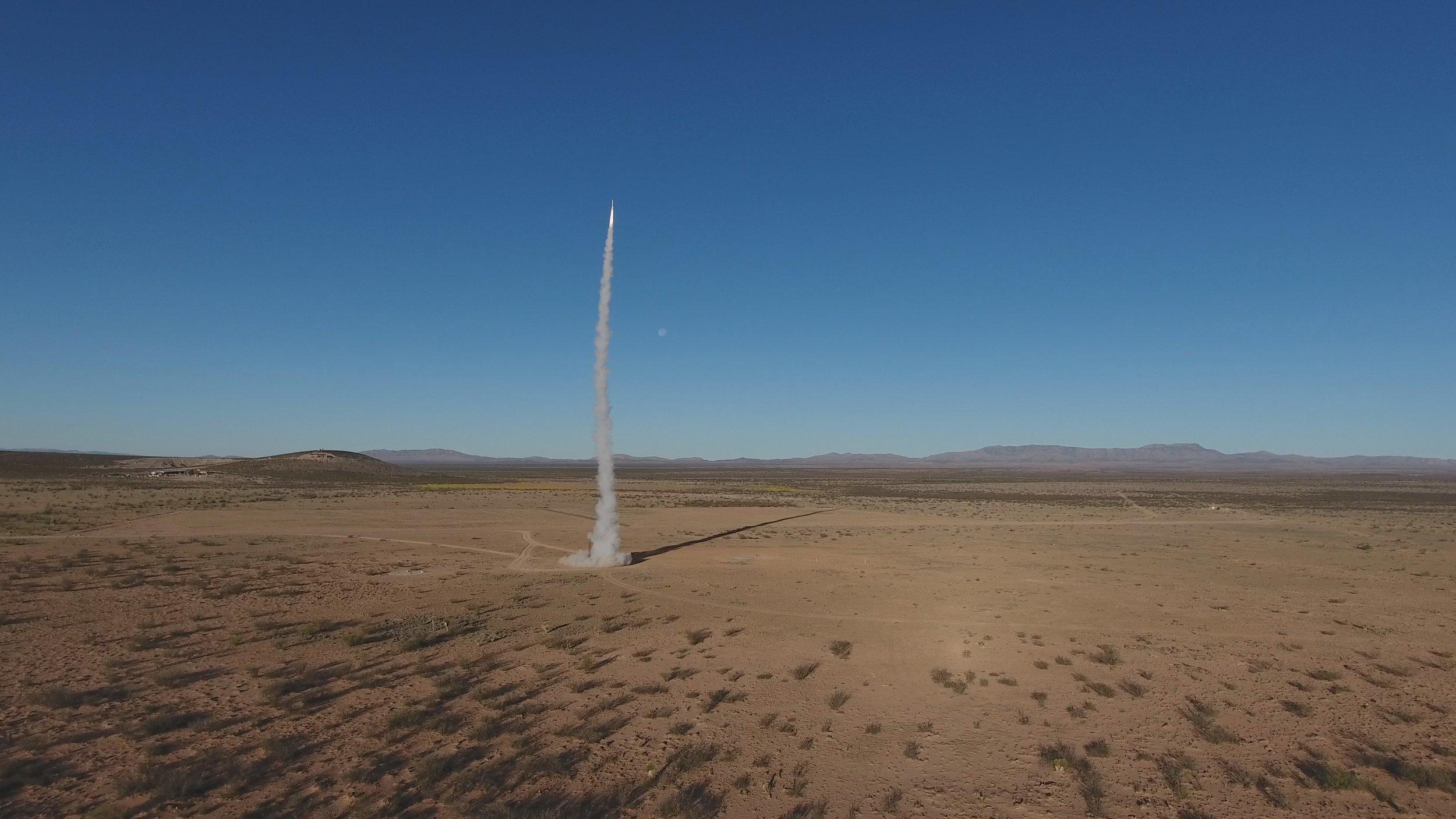 betway88海星从空中的最高处,最后一次,穿过地面!