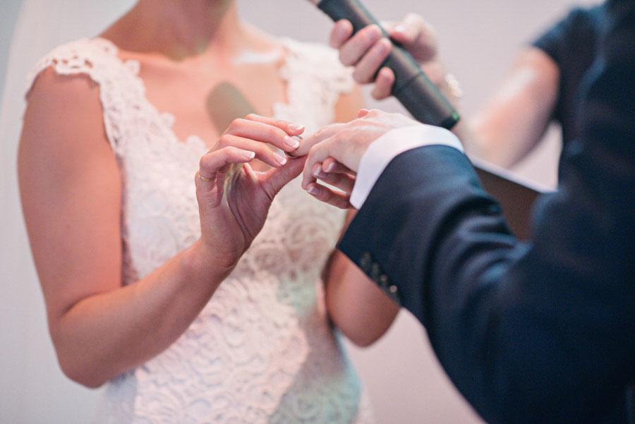 wedding-the-convent-dayelsford-victoria-louise-giles-037.jpg