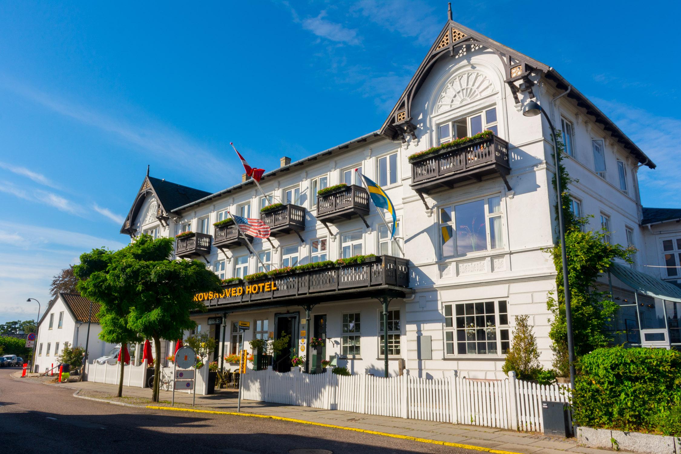 The facade of Skovshoved Hotel