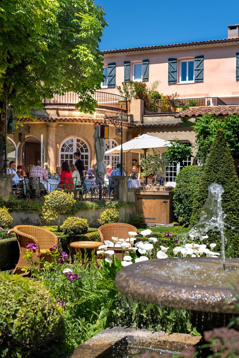 Looking back at breakfast at Hotel Le Pigonnet   Aix en Provence, France