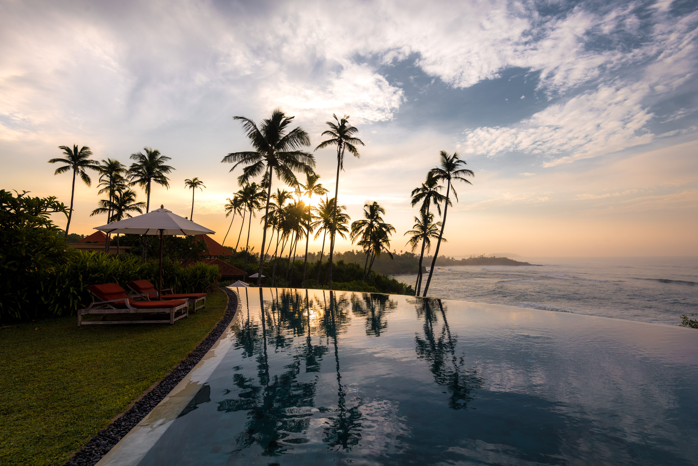 Quiet mornings at Cape Weligama's stunning crescent shaped infinity pool
