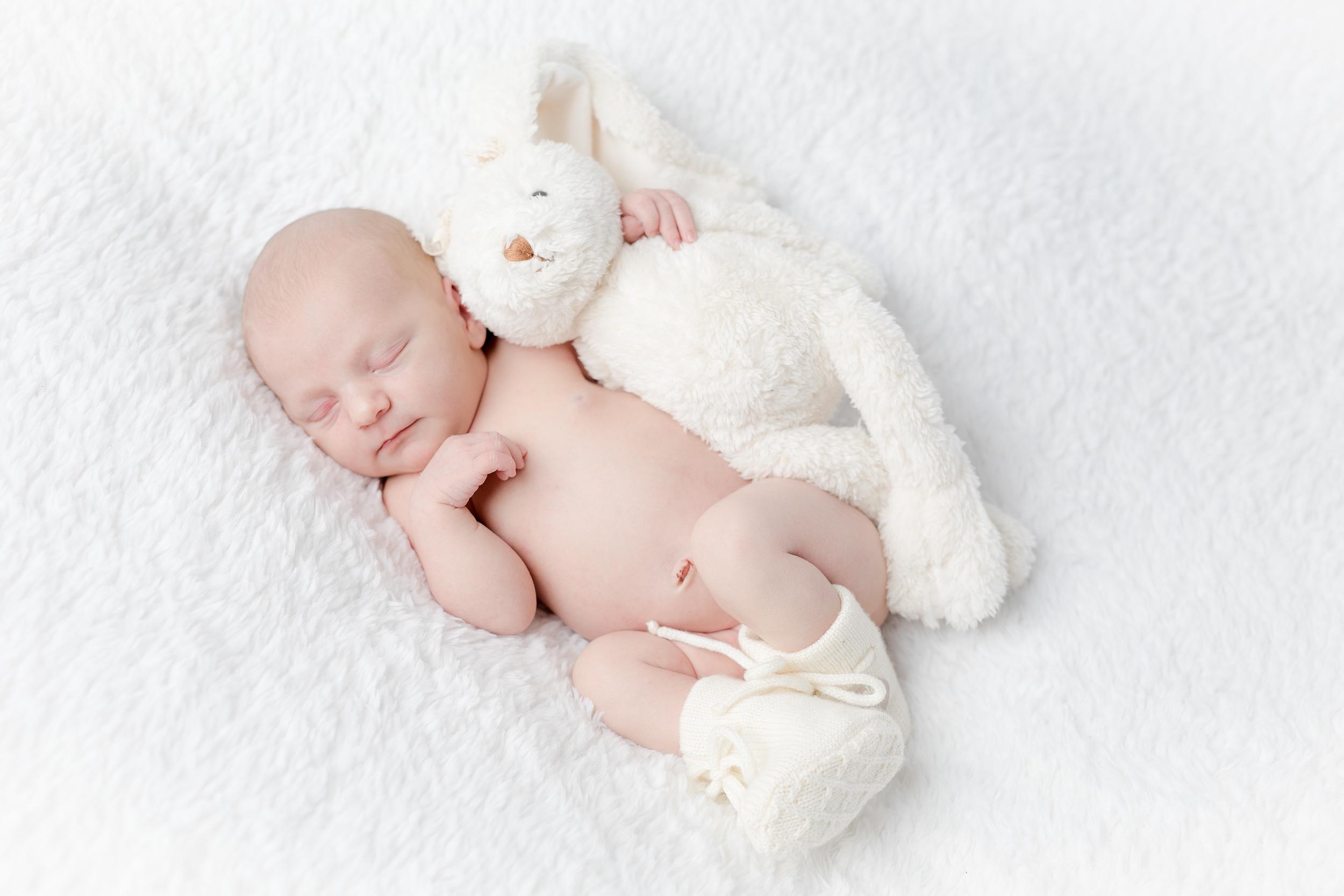 nyfødt-nyfødtfotograf-nyfødtfotografering-fotograf-studiohodne-hodne--6 3.jpg