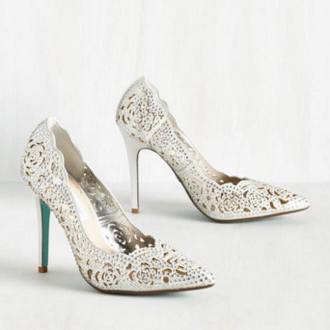 Silver_gir_shoes_cravings_2.jpeg