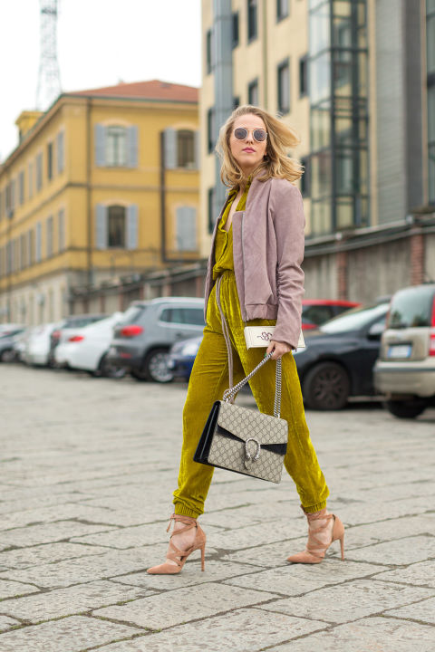 yellow-street-style-mfw-2016-day1-03.jpg