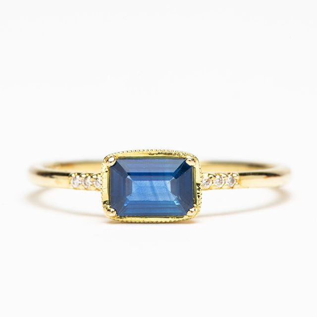 Gorgeous ILA blue sapphire and diamond ring. 14K gold size 6.5 and now 50%off! #honeyandroshop #closingsale #prettythings #gratitude