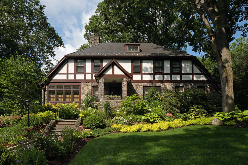 Larchmont-Residence-Early-Fall.jpg