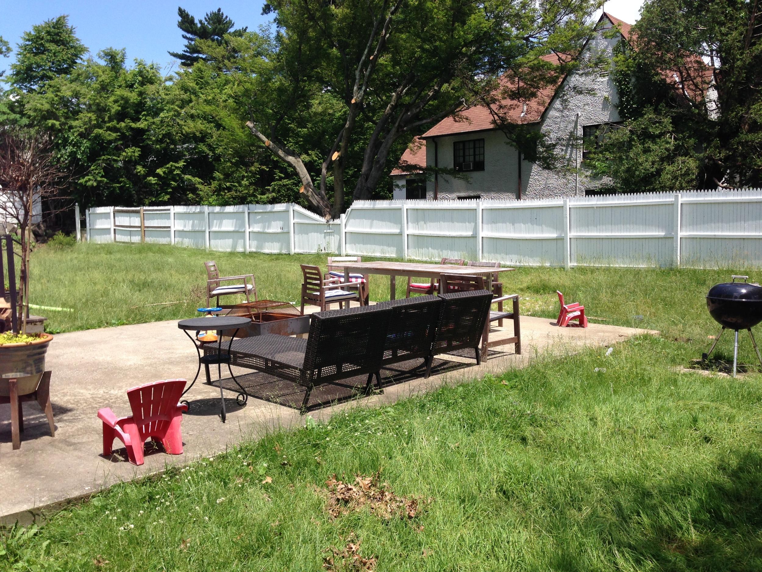 1-BEFORE-Modern-pool-backyard.JPG