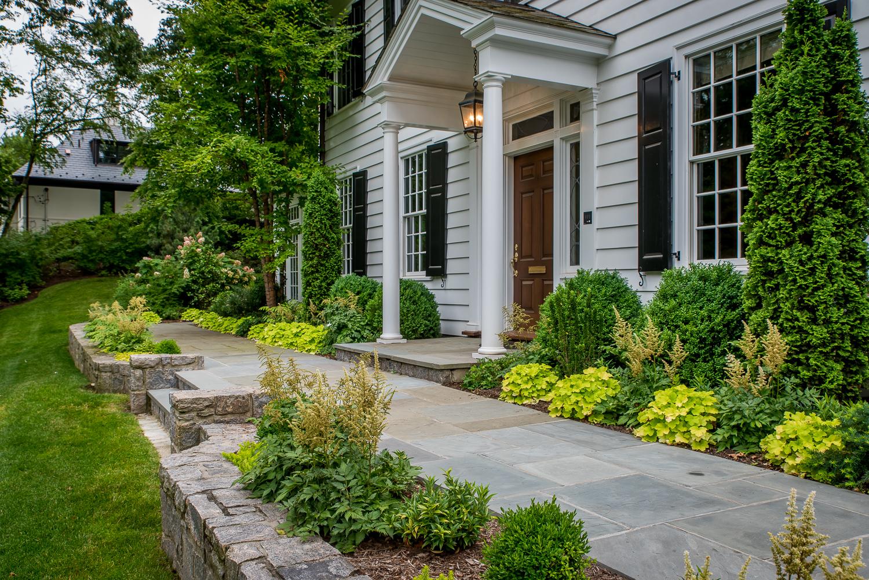 2-Bronxville-Estate-Green-and-White-Garden.jpg