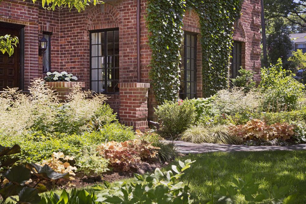 5-brick-boxwood-garden-year5.jpg