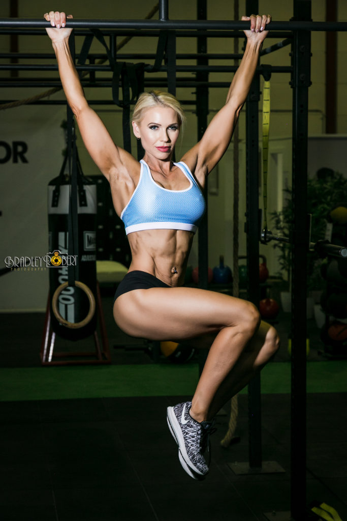 Melissa Crowther  -  Enduring Fitness  IFBB Bikini,  online coach and booty specialist